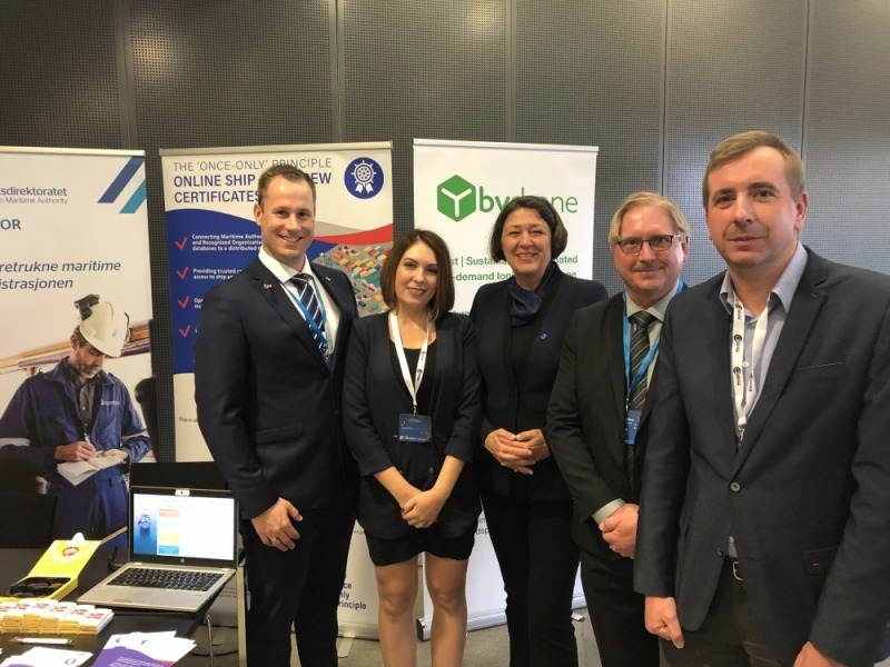 European Commissioner for Transport, Violeta Bulc at the TOOP booth